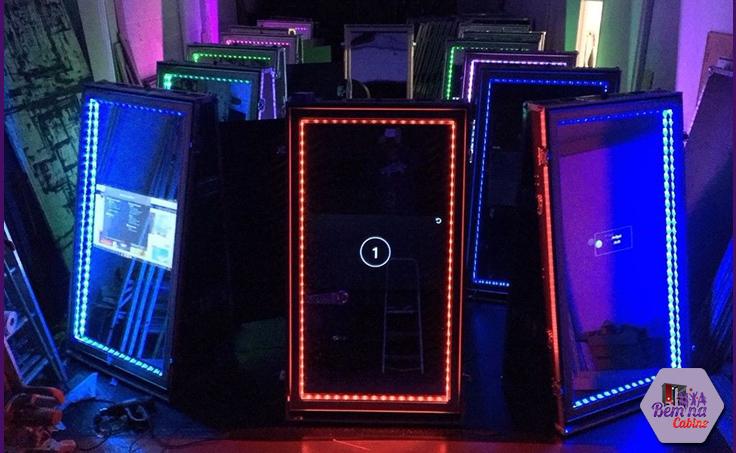 comprar-fabrica-cabines-totem-espelho-magico-espejo-cabina-foto-photobooth-factory-buy-mirror-booth